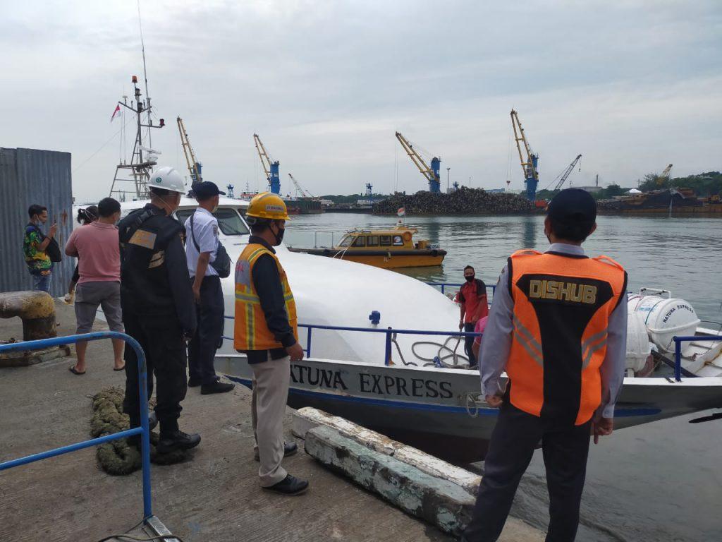 Rute Kapal Gresik-Bawean Tutup Akibat Gelombang Tinggi