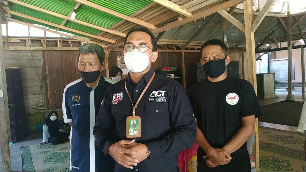 Relawan Kemanusiaan, Gamer hingga Wartawan di Gresik Kompak Berbagi Sembako