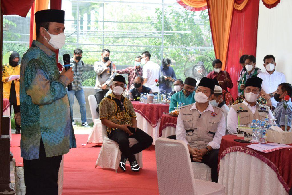 Tinjau Vaksinasi di Lamongan, Kepala BNPT Ajak Waspadai Misinformasi